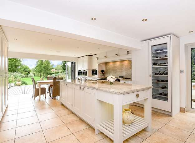 Anne's Classic Bespoke Family Kitchen